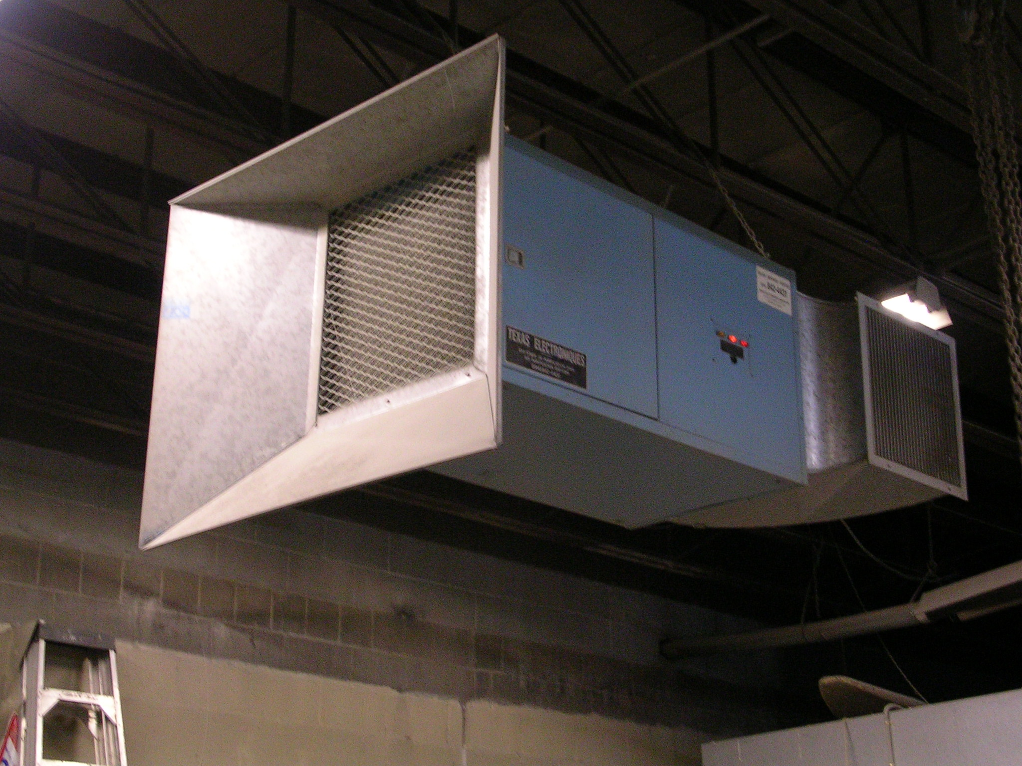 Commercial Air Cleaner Dust : Industrial air cleaner for the control of airborne dust